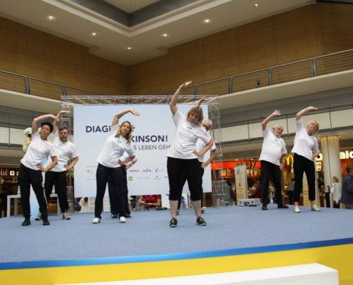 Keep Moving   Taiji-Therapie - Diagnose Parkinson I Warming up