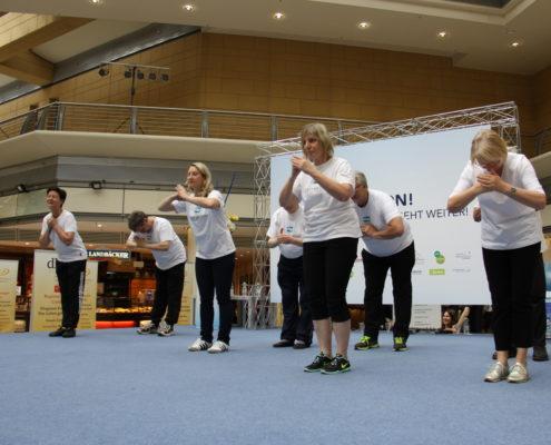 Keep Moving   Taiji-Therapie - Diagnose Parkinson I Begrüßung Keep Moving