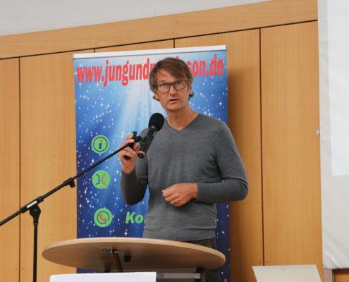 Keep Moving   Taiji-Therapie - Parkinson Symposium in Berlin · Prof. Dr. Klostermann