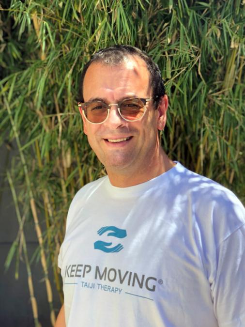 Keep Moving | Taiji-Therapie bei Bewegungsstörungen und Parkinson | Lizenzierte Trainer · Francisco Ramirez